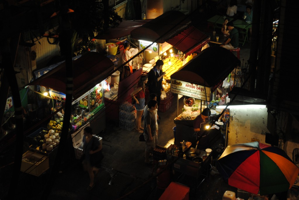 Night market food stalls along Sukhumvit Soi 38