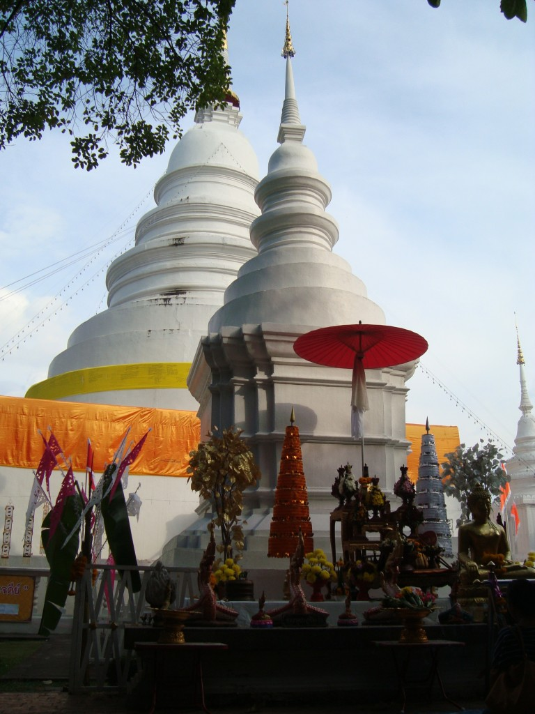 Altar of offerings in front of Wat Phra Singh