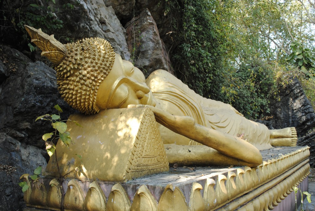Large sleeping Buddha at Wat Phou Si